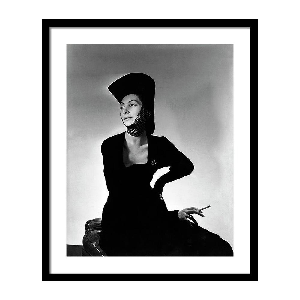 Mademoiselle Valentina Wearing a Crusader's Hat Постер фото
