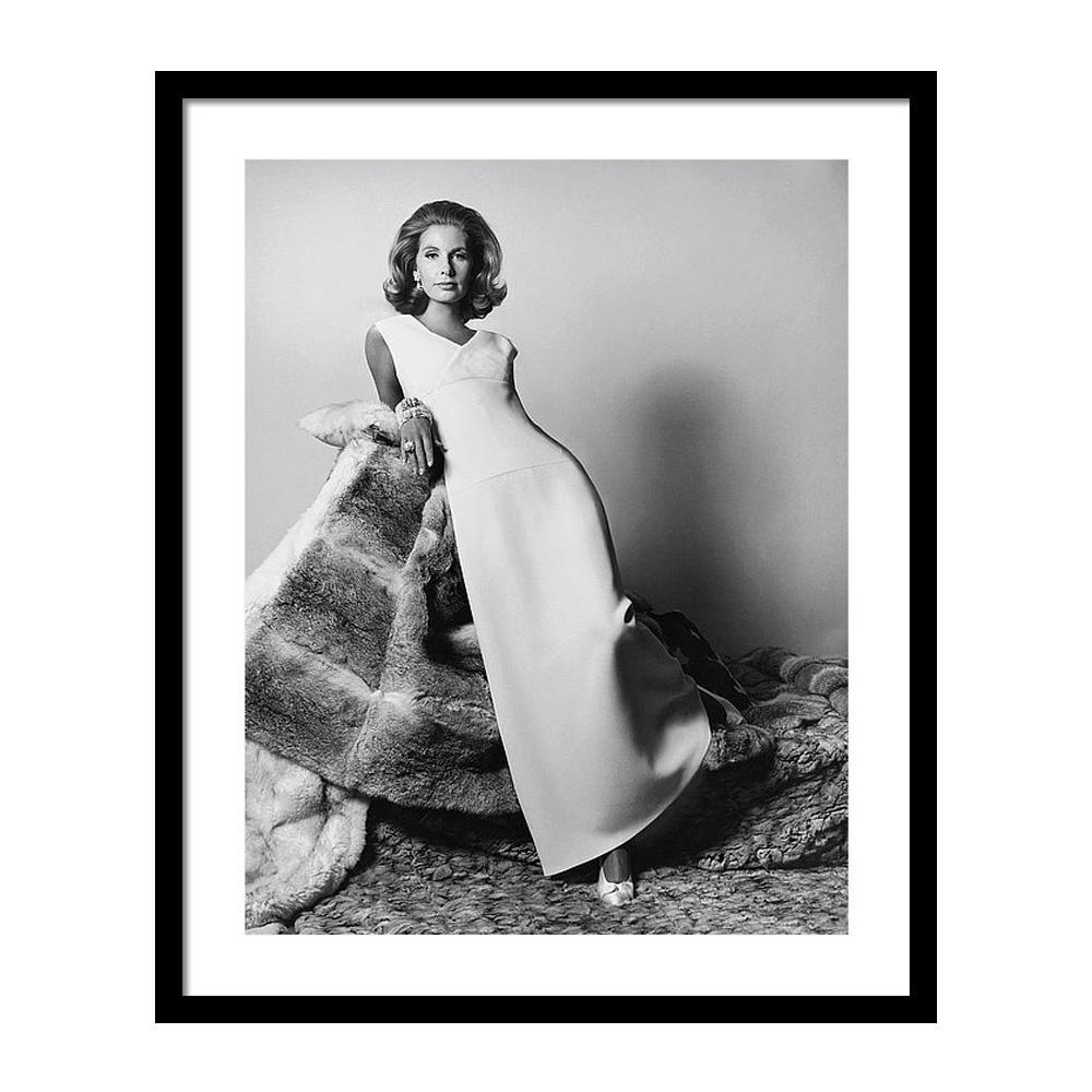 Mrs. Alfred Gwynne Vanderbilt Modeling an Evening Постер фото