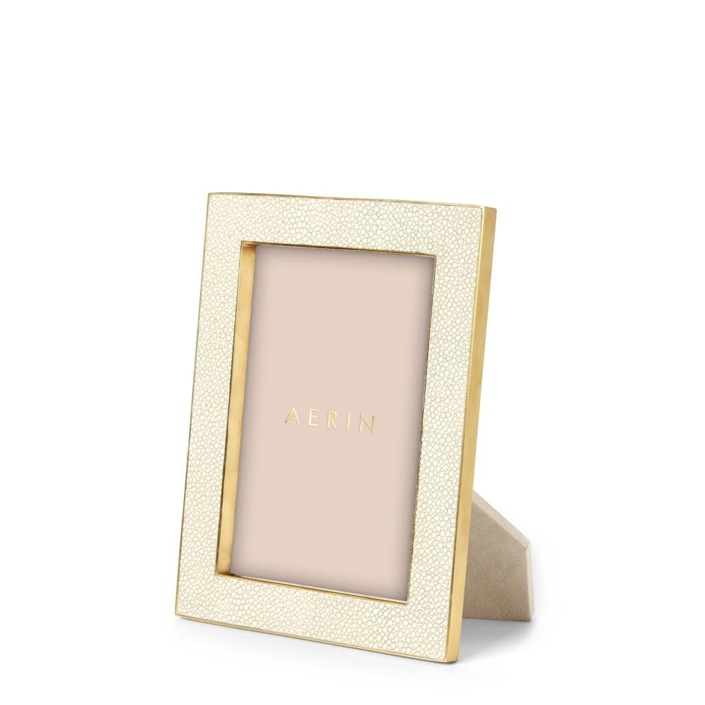 Classic Shagreen Cream Рамка для фото 13х18 фото