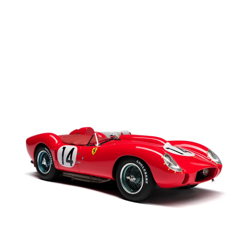 Ferrari 250 TR Модель автомобиля 1:18 фото
