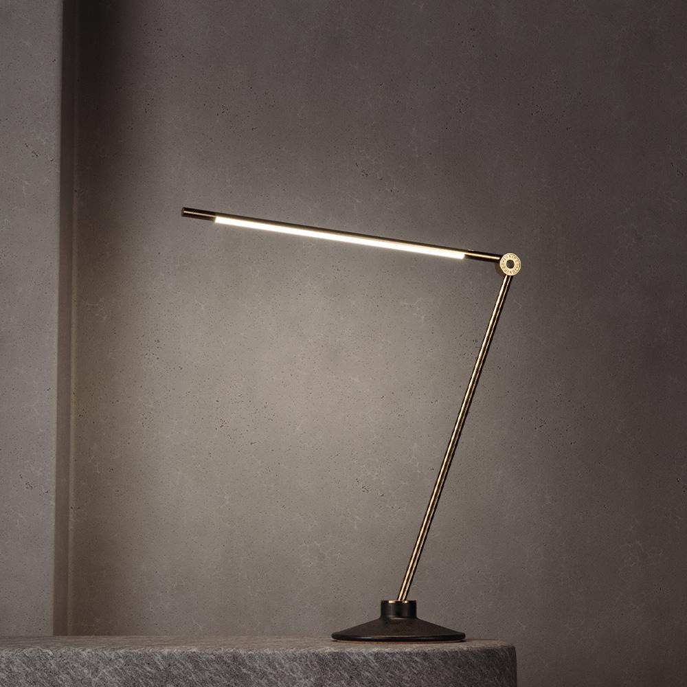 THIN Task S Brass Настольная лампа