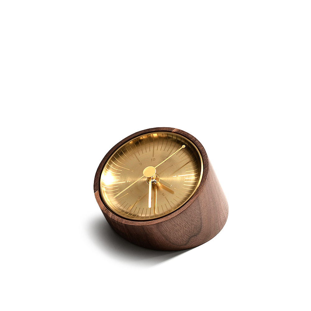 Timeless C Walnut Часы фото